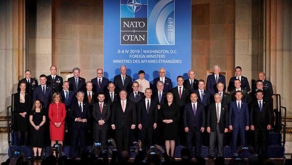 Zasedání rady na úrovni ministrů zahraničí členských zemí NATO ve Washingtonu 3. dubna 2019 - Sputnik Česká republika
