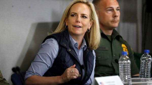 Ministryně vnitřní bezpečnosti USA Kirsten Nielsenová  - Sputnik Česká republika