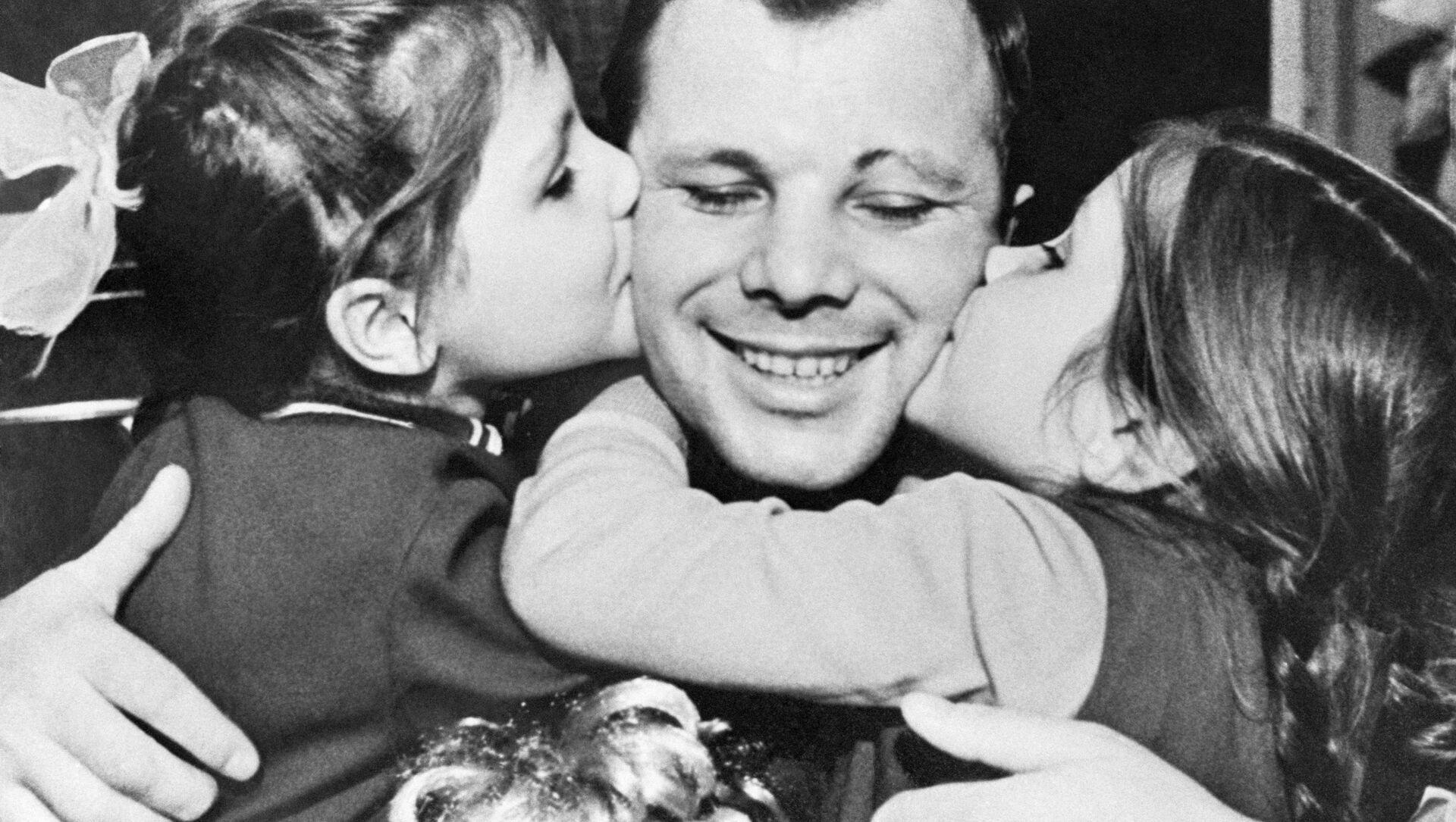 Gagarin a jeho dcery - Sputnik Česká republika, 1920, 11.04.2021