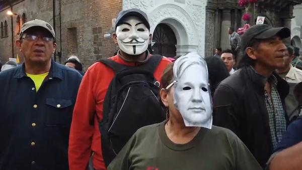 V Ekvádoru probíhají velké protesty za Assange a proti Morenovi (VIDEO) - Sputnik Česká republika