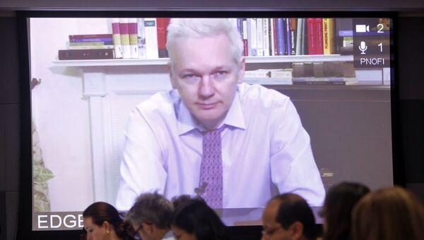 Spoluzakladatel WikiLeaks Julian Assange zadržený britskou policií. Archivní foto - Sputnik Česká republika
