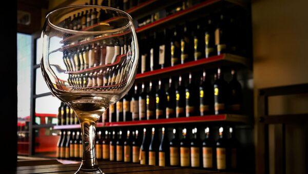 Pohár vína. Ilustrační foto - Sputnik Česká republika