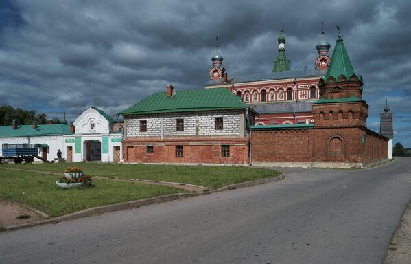 Staroladožský Nikolský klášter založený Alexandrem Něvským po vítězné Něvské bitvě se Švédy. - Sputnik Česká republika