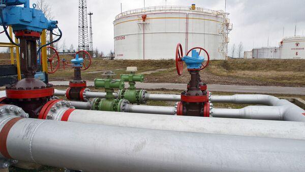 Nádrž s ropou v Bělorusku - Sputnik Česká republika