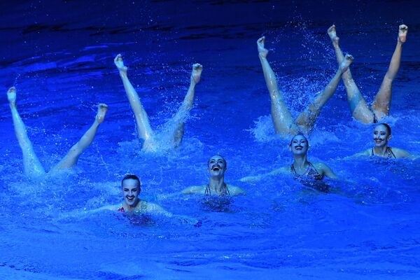 To budete koukat! Ruské rusalky opět zářily na etapě Světové série v synchronizovaném plavání - Sputnik Česká republika