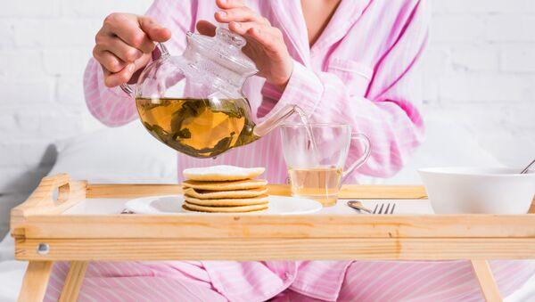 Dívka snídá. Ilustrační foto - Sputnik Česká republika