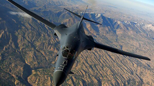Americké nadzvukové bombardovací letadlo Rockwell B-1B Lancer - Sputnik Česká republika