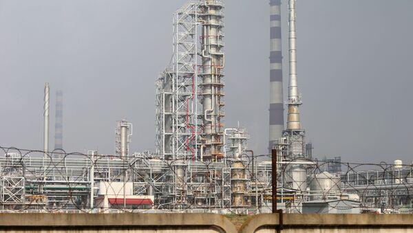 Závod na zpracování ropy v Bělorusku - Sputnik Česká republika
