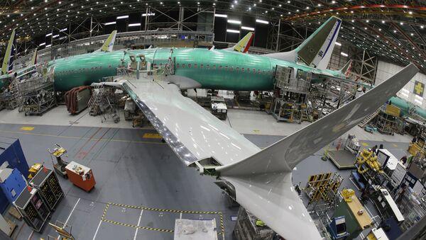 Boeing 737 MAX 8 v továrně Boeing 737 v americkém Rentonu - Sputnik Česká republika