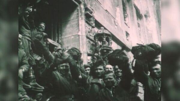 Vlajka vítězství. Před 74 lety padl Říšský sněm - Sputnik Česká republika
