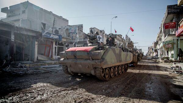Turecké obrněné vozidlo v Sýrii - Sputnik Česká republika