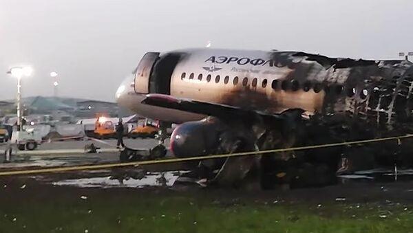 Havárie letadla Sukhoi Superjet-100 v Šeremetěvu - Sputnik Česká republika