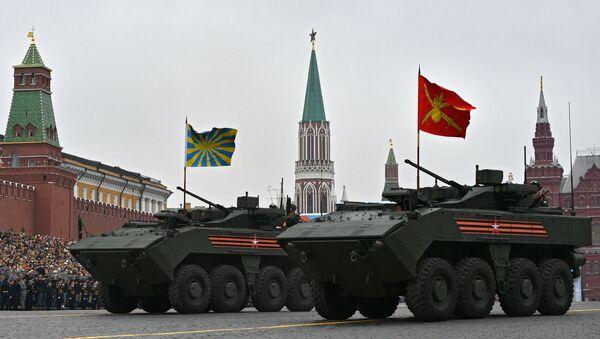 Perspektivní bojové vozidlo pěchoty na platformě Bumerang během přehlídky vítězství v Moskvě - Sputnik Česká republika