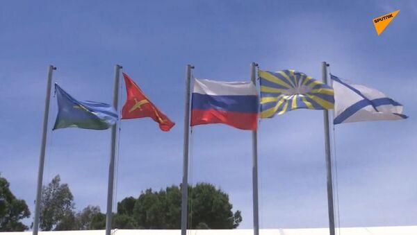 Sýrie: Ruští vojáci ukázali, jak se jim žije na vojenské základně Hmímím - Sputnik Česká republika