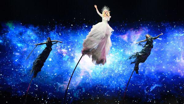 Kate Miller-Heidke - reprezentantka Austrálie s písní Zero Gravity během zkoušky první semifinále Eurovize 2019 v Tel Avivu - Sputnik Česká republika