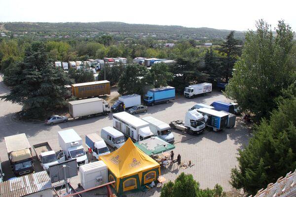 Fronta kamionů na Kerčenské dopravě na Krymu - Sputnik Česká republika