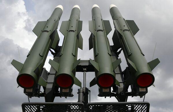 Protiletadlový systém Buk-M2 na mezinárodní výstavě zbraní a vojenské techniky MILEX-2019 v Minsku - Sputnik Česká republika