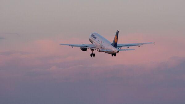 Letadlo společnosti Lufthansa - Sputnik Česká republika