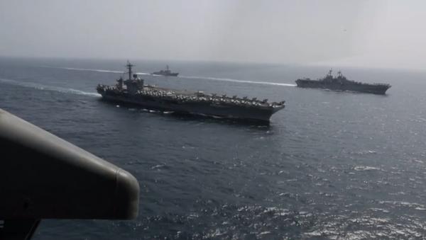 """Americké námořnictvo v Arabském moři provedlo vojenské cvičení k odstranění  """"íránské hrozby"""" (VIDEO)   - Sputnik Česká republika"""